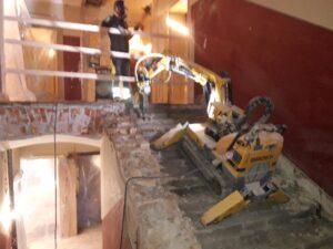 Rivning av trapp med rivningsrobot
